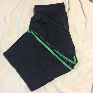 Adidas cropped loose pants